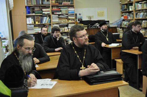Настоятель нашего храма иерей Александр Коссов принял участие в семинаре по выбору модуля «Основы православной культуры»