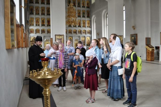 Участники проекта «СловечКино лето» посетили храмы Филейки и места, где подвизался вятский святой — преподобный Стефан Филейский